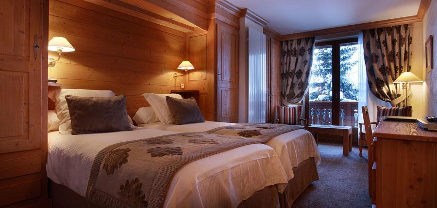 france_espace_killy_ski_area_val_d'lsere_hotel_christiania_bedroom.jpg